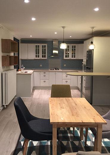 Cuisine 25 m2 JDF RENOV : renovation appartement maison : Nous rénovons votre salle de bain du sol au plafond !